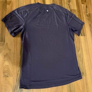 Lululemon Mens Medium Blue Workout Shirt
